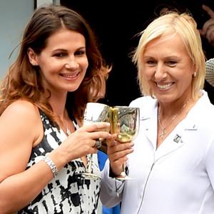 Martina Navratilova Proposes To Longtime Friend Julia Lemigova At The U S Open E News Canada