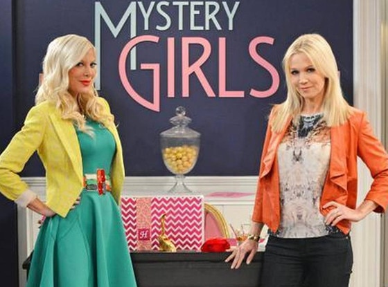 Tori Spelling, Jennie Garth, Mystery Girls