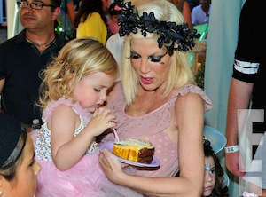 Tori Spelling, Hattie McDermott, Hattie Birthday