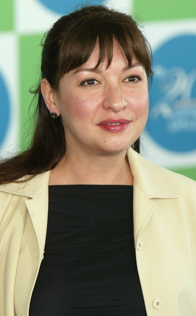 elizabeth pe u00f1a dead at 55  actress worked on modern family