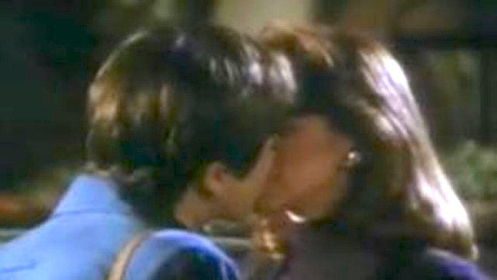 La law lesbian kiss