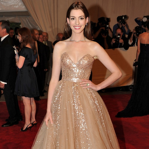 Anne Hathaway From The Best Met Gala Looks Ever