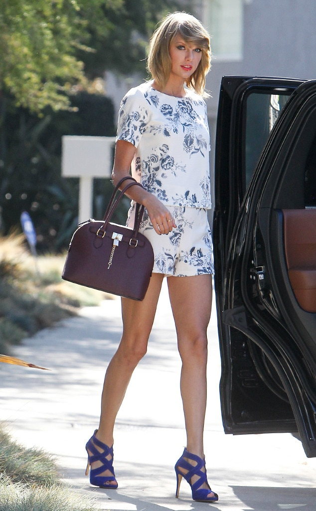 Leg Work From Taylor Swift 39 S Street Style E News