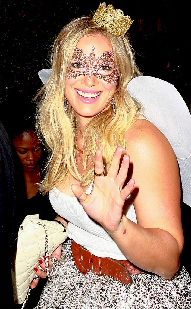 Hilary Duff & Ex Mike Comrie Showcase PDA at Halloween Party 9 ...