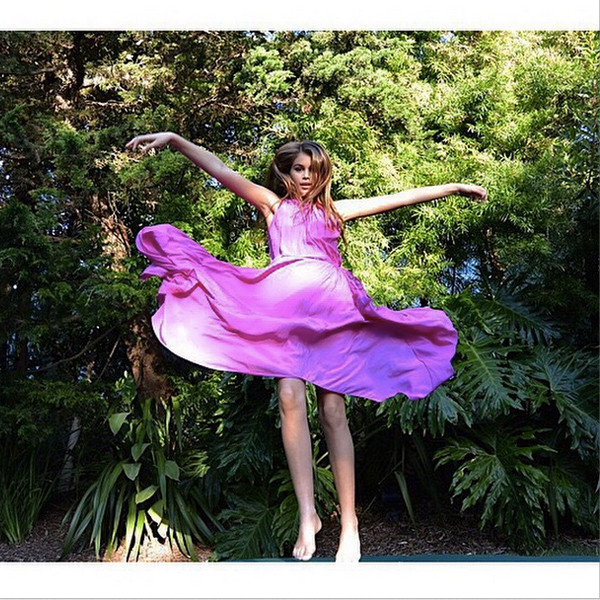 Cindy Crawford S Look Alike Daughter Wears Mom S Roberto Cavalli Dress See The Pic Do A Double
