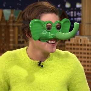 Plays ring around the nosey with jimmy fallon watch now e news