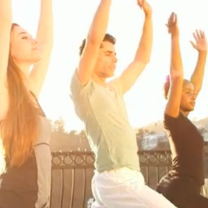 Yogi Cameron, Yoga Set