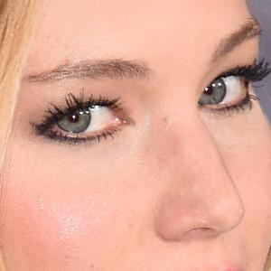 Eyeliner, Jennifer Lawrence, Jennifer Aniston, Julianne Moore, Lucy Liu