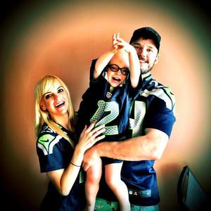 Anna Faris, Chris Pratt, Twitter, Seahawks