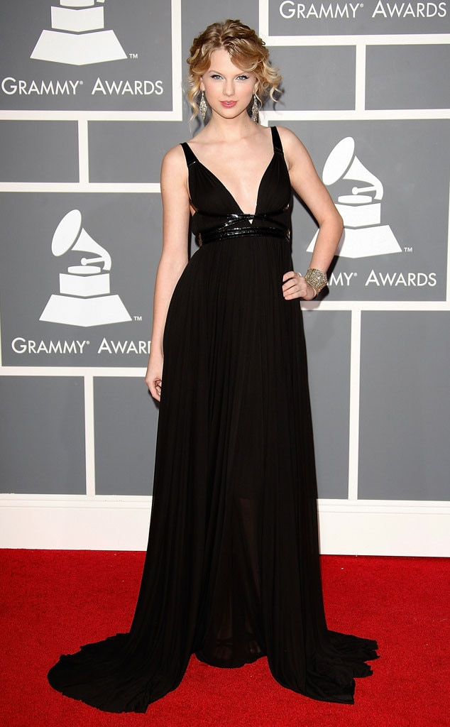 Taylor Swift 2009 From Grammys Red Carpet Look Back
