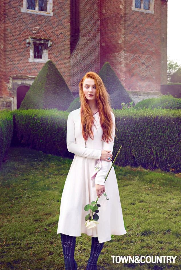Game Of Thrones Sophie Turner Channels Sansa Stark S