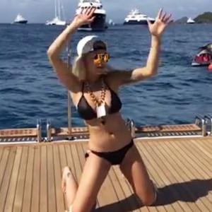 Rita Ora, 7/11 Video
