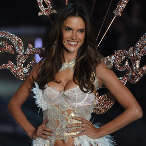 Alessandra Ambrosio, Victoria's Secret Fashion Show Runway