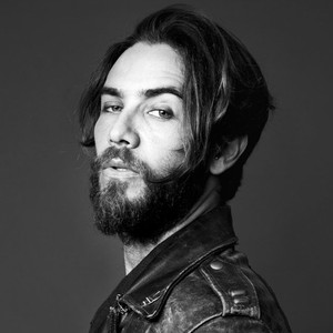 Justin Bobby, Complex