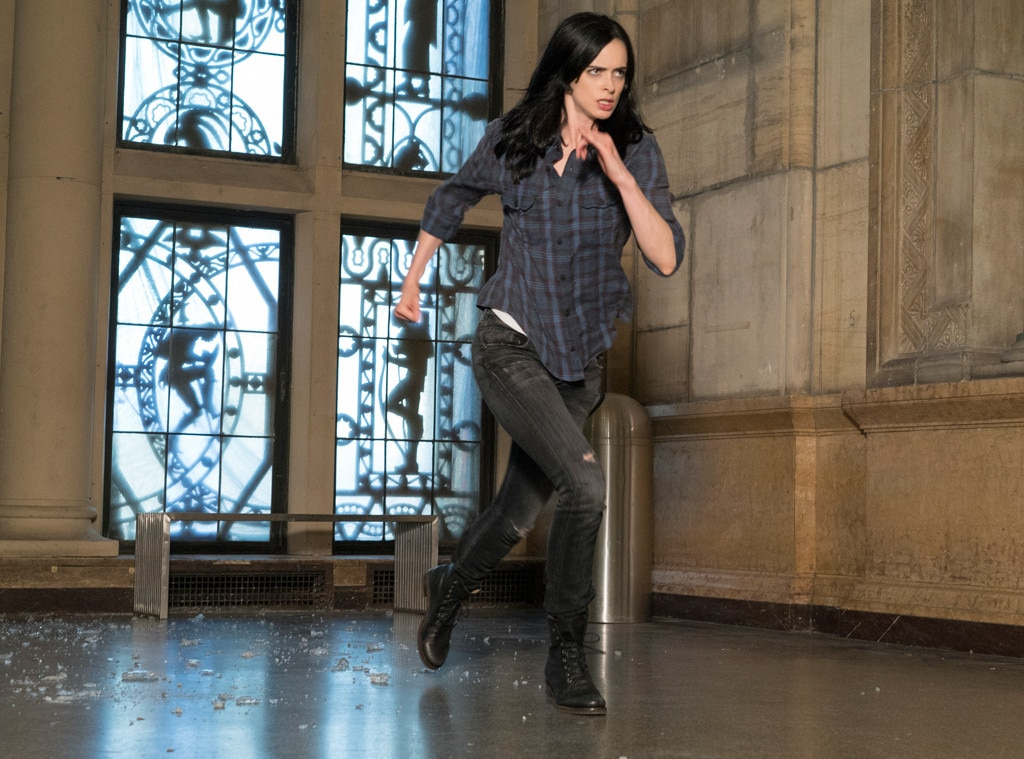 news jessica jones netflix damaged deadpan superhero taking viewers storm