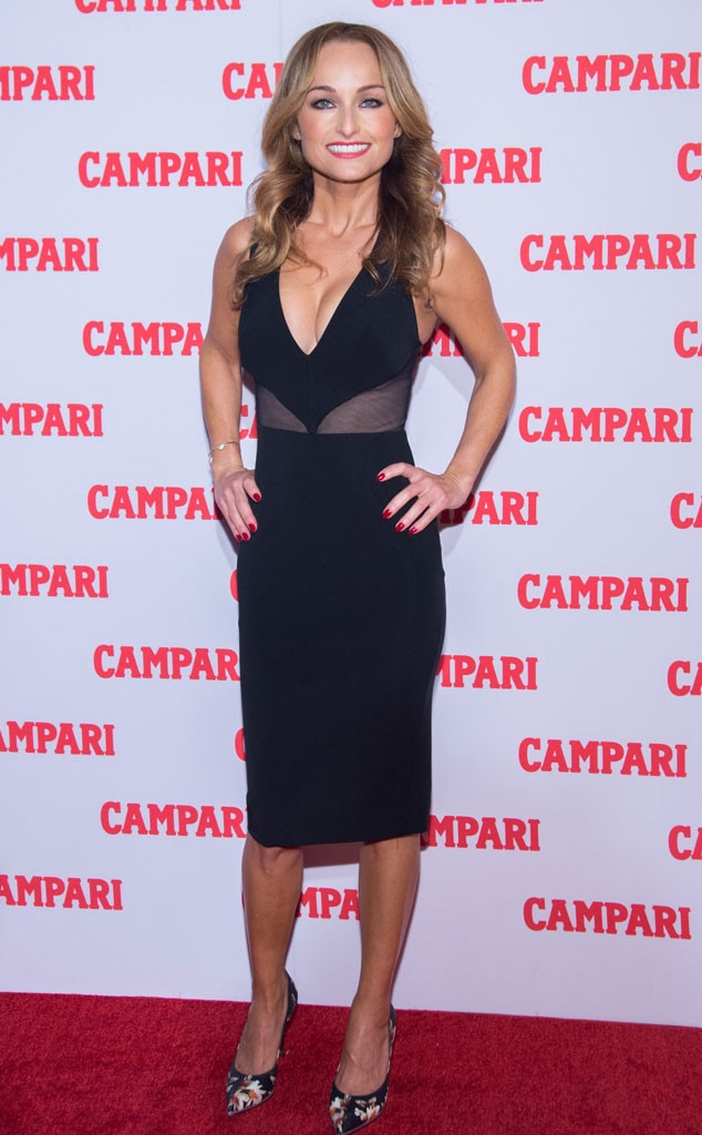 Giada De Laurentiis with a weight of 52 kg and a feet size of 6 in favorite outfit & clothing style