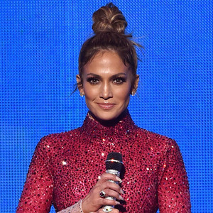 Jennifer Lopez, 2015 American Music Awards