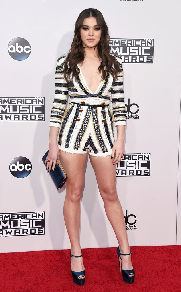 hailee steinfeld from 2015 american music awards red