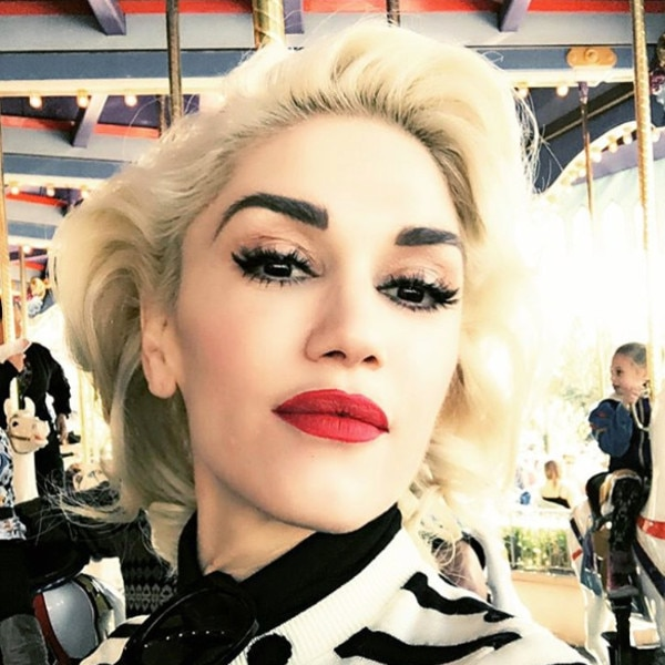 Gwen Stefani Spends Black Friday at Disneyland With Her ... гвен стефани инстаграм