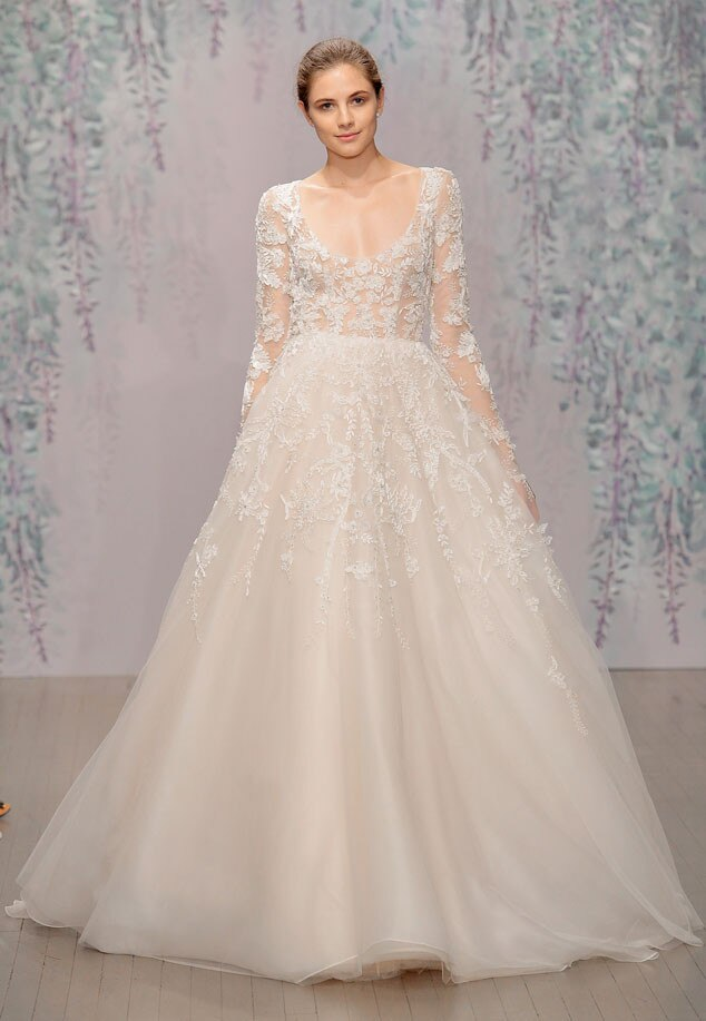 See jamie chung 39 s gorgeous lace monique lhuillier wedding for Monique lhuillier wedding dresses