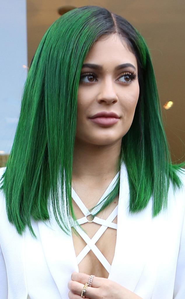 Kylie Jenner Unveils Dark Green Hair for Her Lip Kit ...