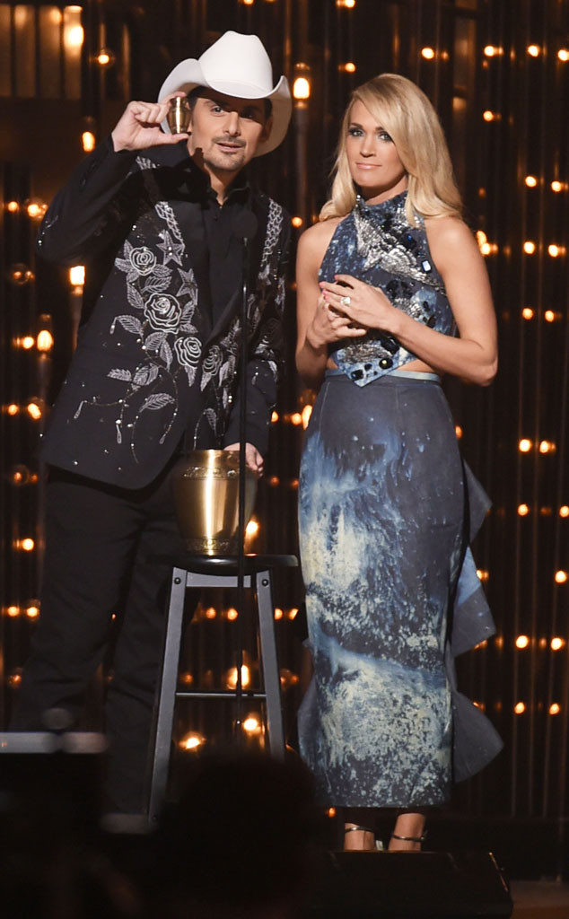 Carrie Underwood, Fashion, CMAs, Denim