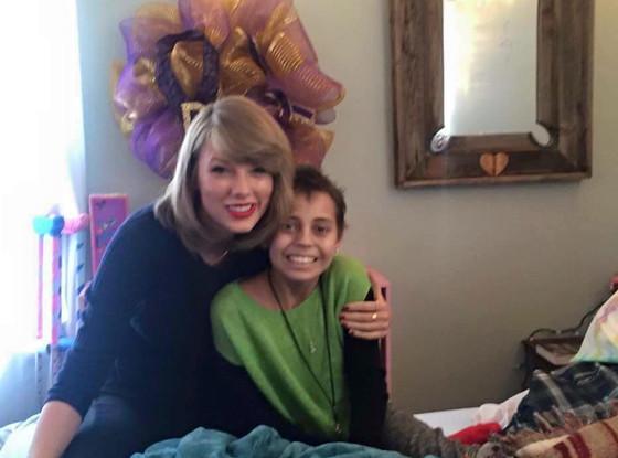 Taylor Swift, Facebook