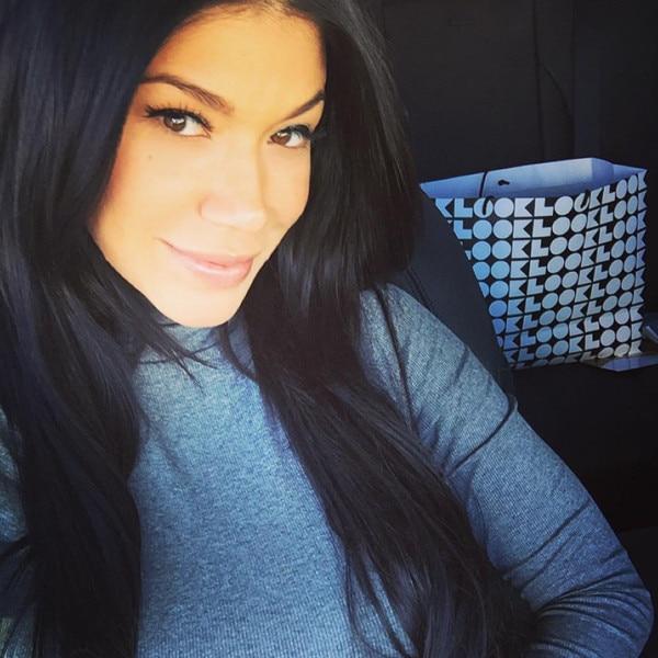 Rosa Mendes, Instagram