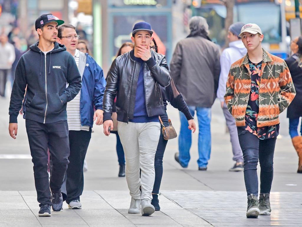 Nick Jonas, Joe Jonas, Frankie Jonas, Family