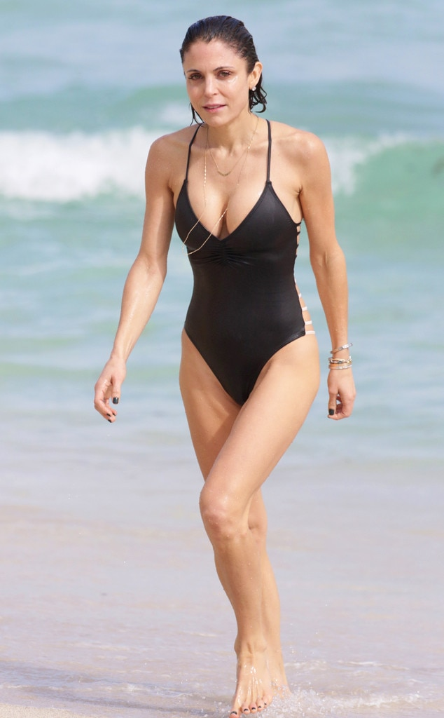 Flaunt their bikini bodies during christmas vacations e news