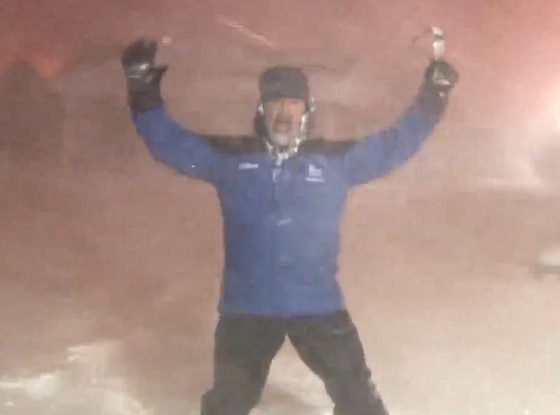 the weather channel u0026 39 s jim cantore can u0026 39 t stop freaking out