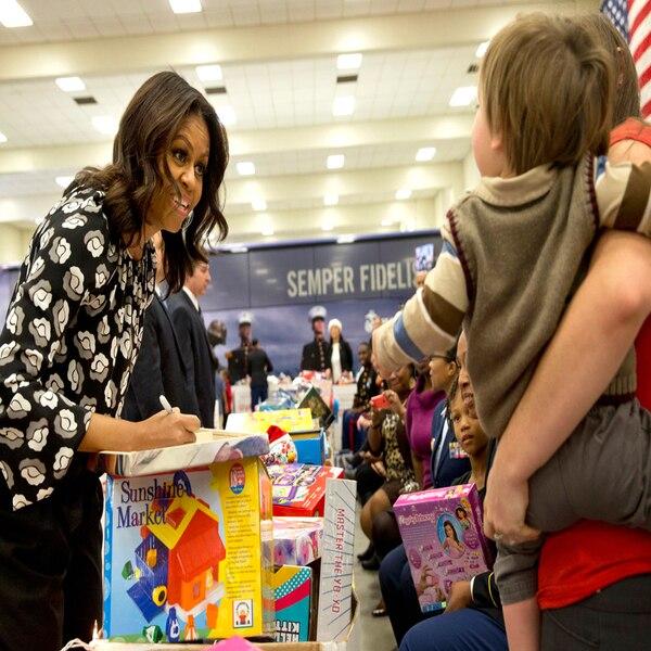 Celebs make hefty donations to Obama - thehill.com