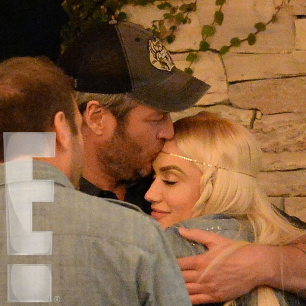 Gwen Stefani, Blake Shelton, Kissing, Exclusive