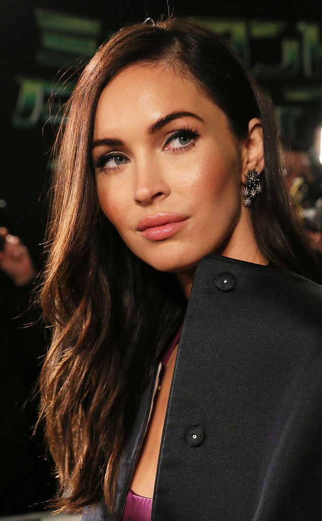 Megan Fox Flashes Major Skin on the Red Carpet, Pulls an ... Megan Fox