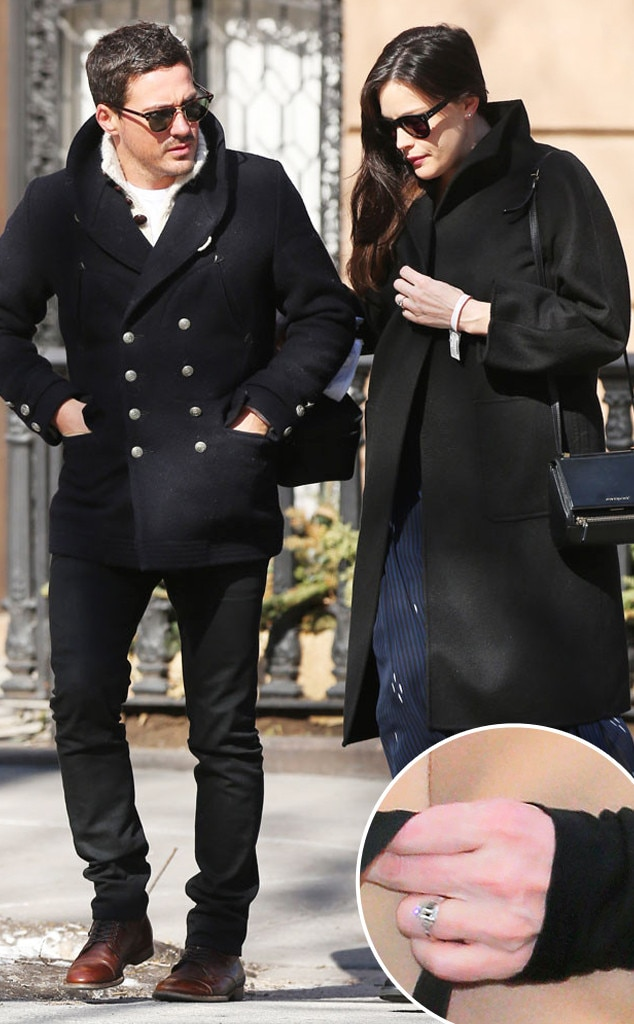 Is Liv Tyler Engaged Actress Steps Out With Ring On That