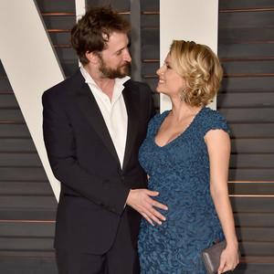 Noah Wyle, Sara Wells, Pregnant