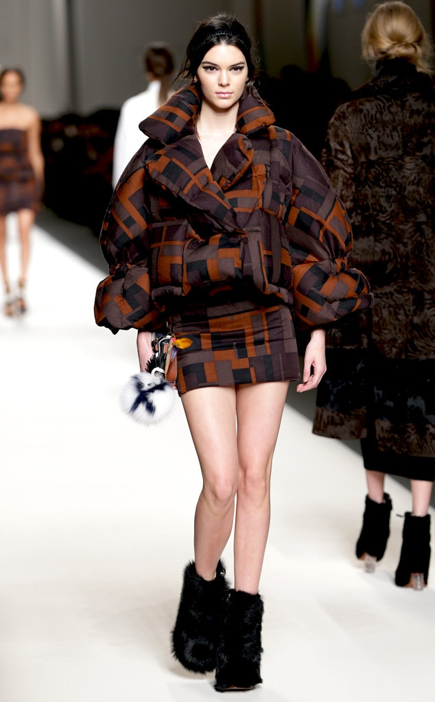 Kendall Jenner Takes Milan Fashion Week By Storm See Her Walk In Fendi More E News