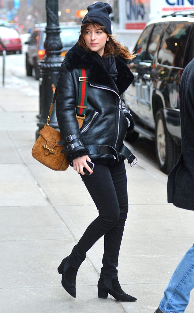 Her Outfit Costs What Dakota Johnson S 6 580 All Black