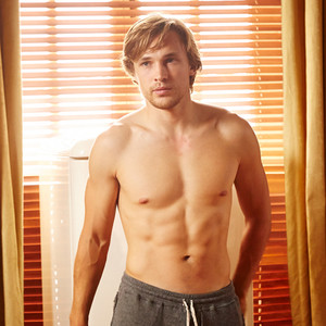 <i>The Royals</i>' William Moseley Is Smokin'&mdash;See His Hottest Pics!