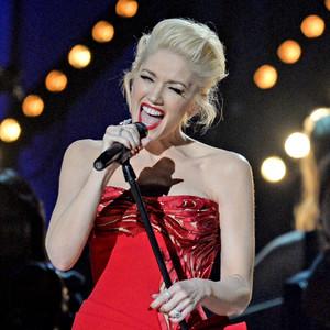 Gwen Stefani, Adam Levine, Grammy Awards, Performance