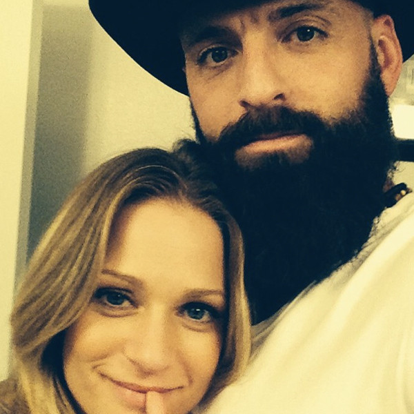 Criminal Minds Star A J Cook Pregnant And Expecting A