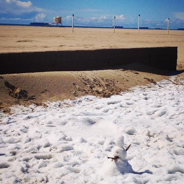 Huntington Beach Snow Hail, Snowman