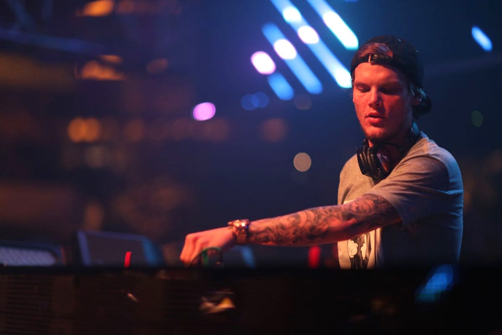 Avicii From Musicians Performing Live On Stage E News