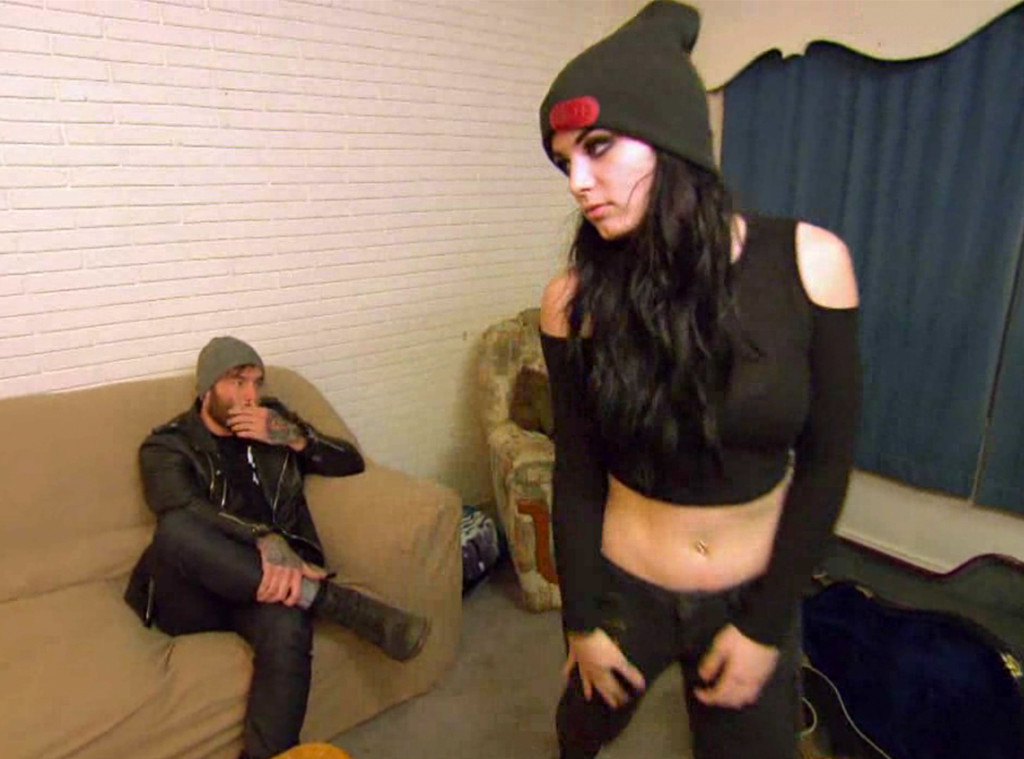 Total Divas, Paige Finds Out Ugly Truth About BF Bradley