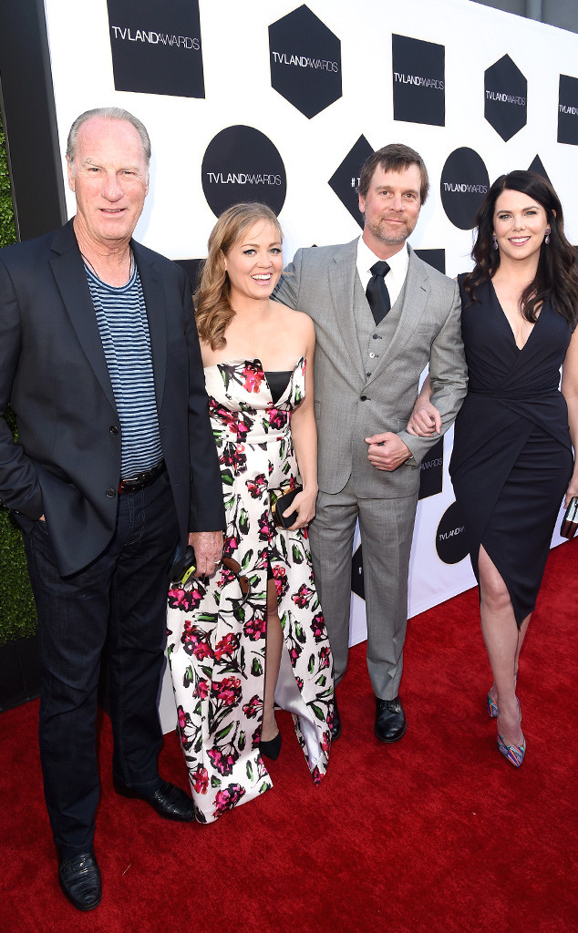 Craig T. Nelson, Ericka Christensen, Peter Krause, Lauren Graham, TV Land Awards