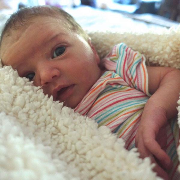 Milla Jovovich, Baby, Instagram