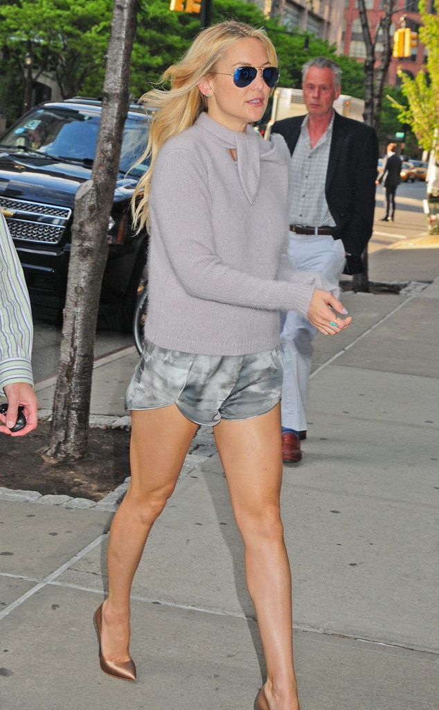 Sweater Weather From Kate Hudson 39 S Street Style E News