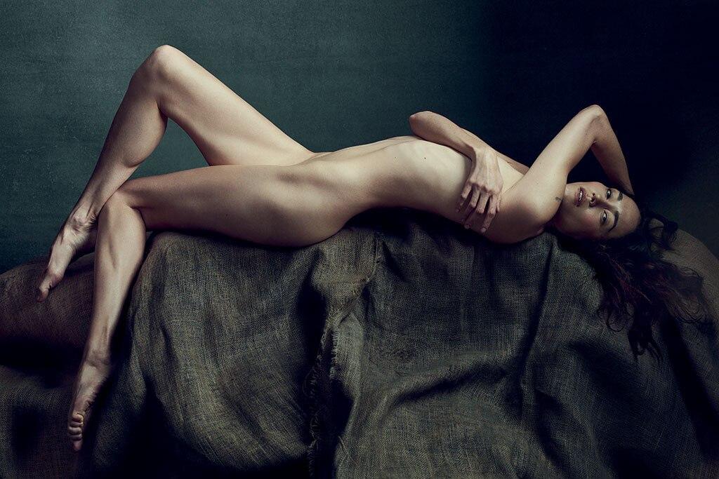 Sandrine Holt, Allure, Nude