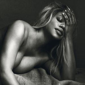Laverne Cox, Allure, Nude
