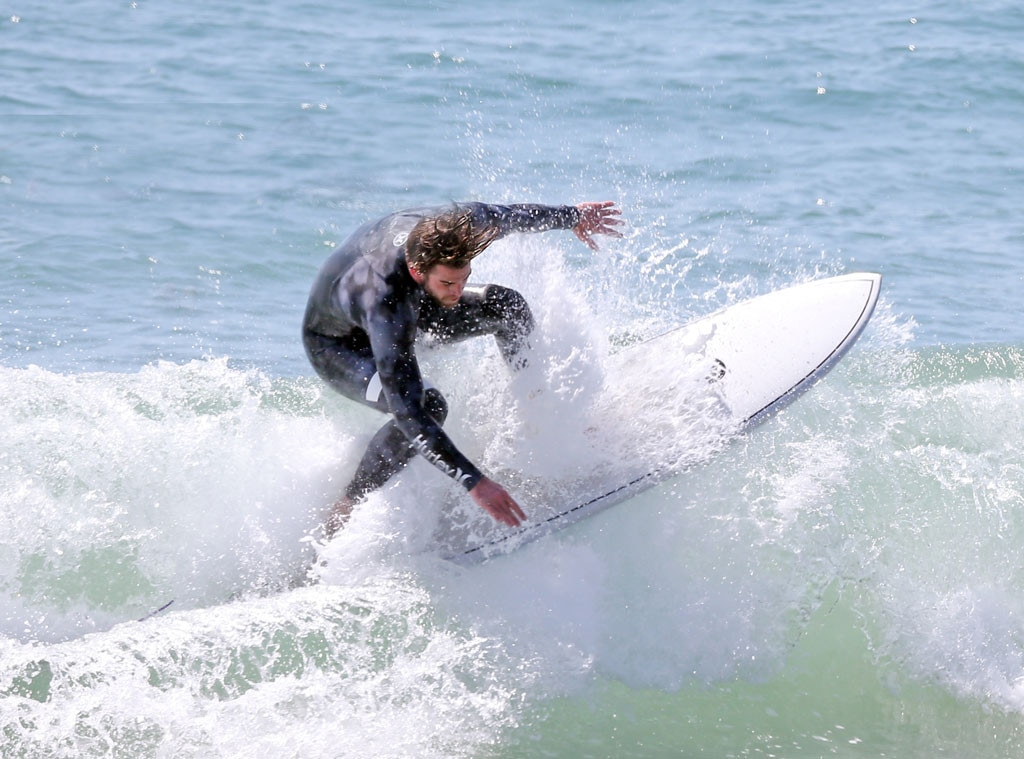 Liam Hemsworth, Surfing, Shirtless